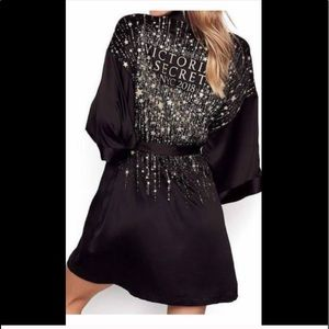Special Ed. Victoria's Secret NYC 2018 stars robe
